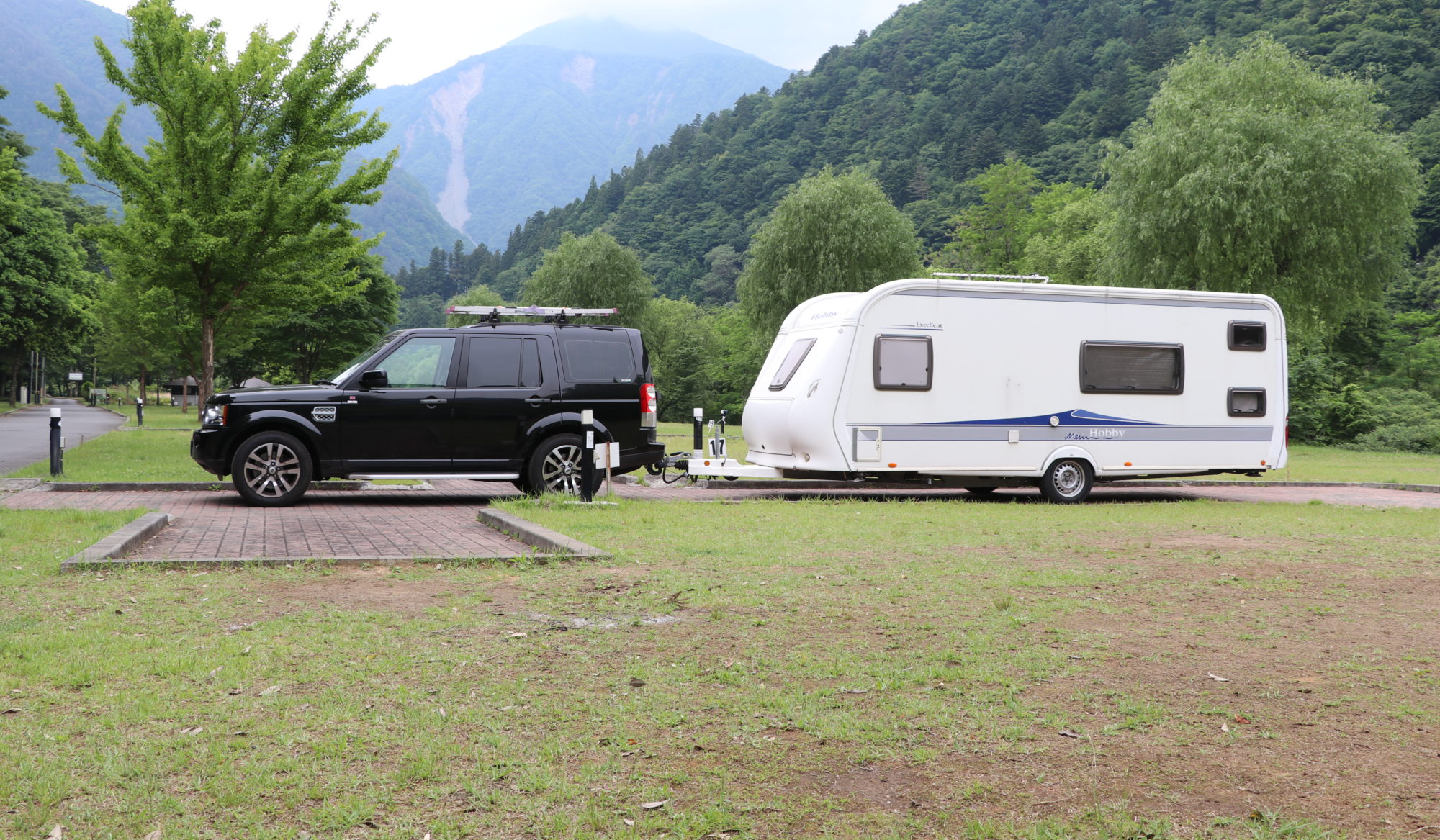Towing Caravan with Land Rover